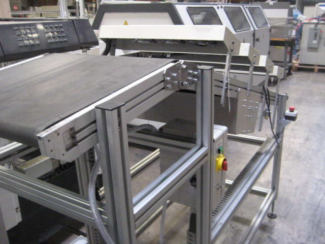 Almost new LYNX NTM-430L-2000-1 WAVE EXIT CONVEYOR