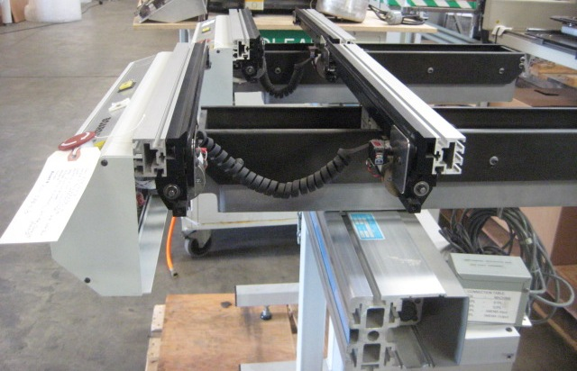 Almost new UNIVERSAL Conveyor CONVEYORS